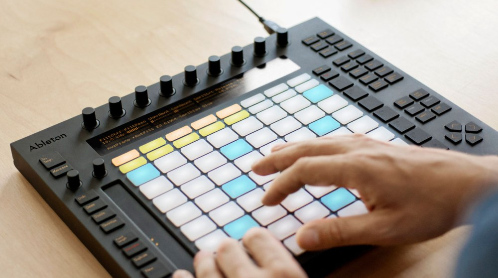 Live jamming Ableton-style, with iPads & USB MIDI controllers (1/5)